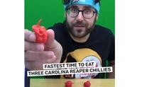 """Màn ăn ớt """"cay nhất thế giới"""""""