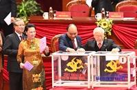 Hình ảnh các đại biểu bỏ phiếu bầu Ban Chấp hành Trung ương Đảng khóa XIII