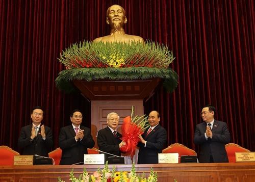 Công bố danh sách Bộ Chính trị, Ban Bí thư và Uỷ ban Kiểm tra Trung ương khoá XIII