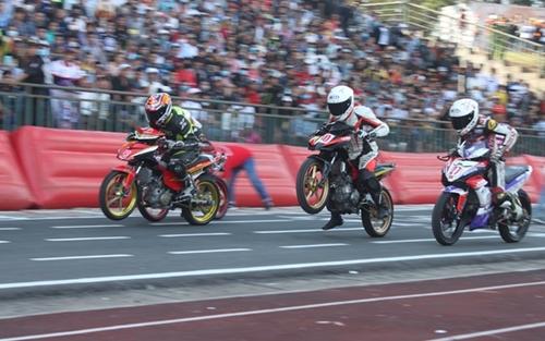 """Dừng Giải đua xe mô tô toàn quốc """"Cúp Liên đoàn năm 2021"""""""