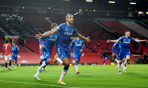 Everton giật về 1 điểm tại Old Trafford