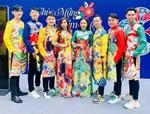 TP Hồ Chí Minh Rực rỡ tà áo dài trong nắng xuân