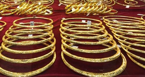 Giá vàng trong nước vượt mức 57 triệu đồng lượng