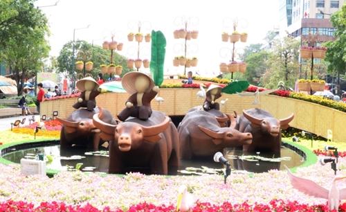 TP Hồ Chí Minh Đường hoa Nguyễn Huệ mở cửa đến 17h ngày mồng 5 Tết