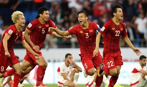 Tuyển Việt Nam tiếp tục duy trì hạng 93 thế giới
