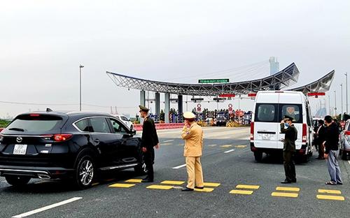 Quảng Ninh Khôi phục toàn bộ hoạt động vận tải hành khách đường bộ, đường thủy nội tỉnh