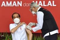 Indonesia triển khai tiêm vaccine cho hơn 5 000 nhà báo