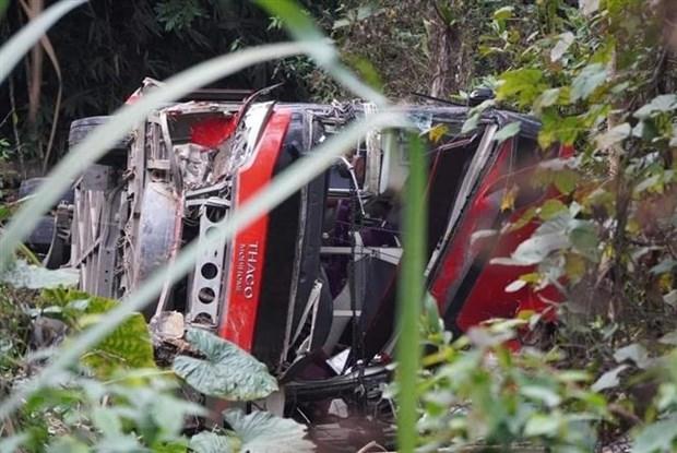Một người tử vong khi xe khách lao xuống vực tại Tuyên Quang