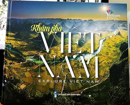 Khám phá Việt Nam qua từng trang sách