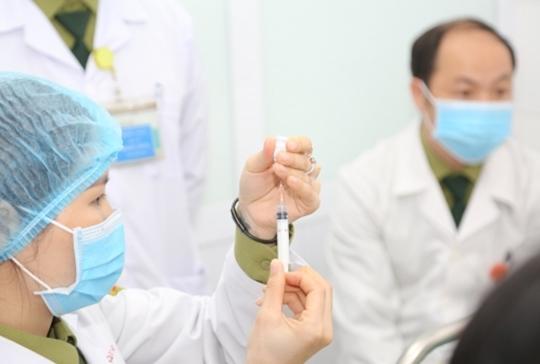 Cần lưu ý những điều gì khi tiêm vắc xin COVID-19
