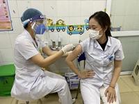 Những hình ảnh đầu tiên về ngày tiêm vaccine COVID-19 tại Hải Dương