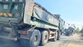 Quảng Nam cần xử lý tình trạng xe quá tải đi vào đường dân sinh