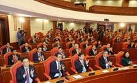 Một số hình ảnh tại phiên bế mạc Hội nghị Trung ương 2