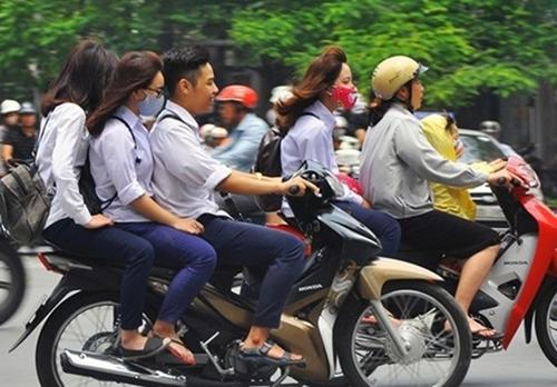 Xử lý nghiêm cá nhân giao xe gắn máy cho trẻ em