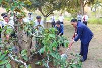 Chủ tịch Quốc hội Nguyễn Thị Kim Ngân đến thăm và tặng quà Tổng công ty Phát điện 2