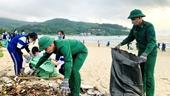 Đà Nẵng Đoàn viên, thanh niên ra quân làm sạch biển