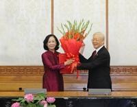 Tổng Bí thư trao quyết định phân công Trưởng Ban Tổ chức Trung ương và Trưởng Ban Dân vận Trung ương