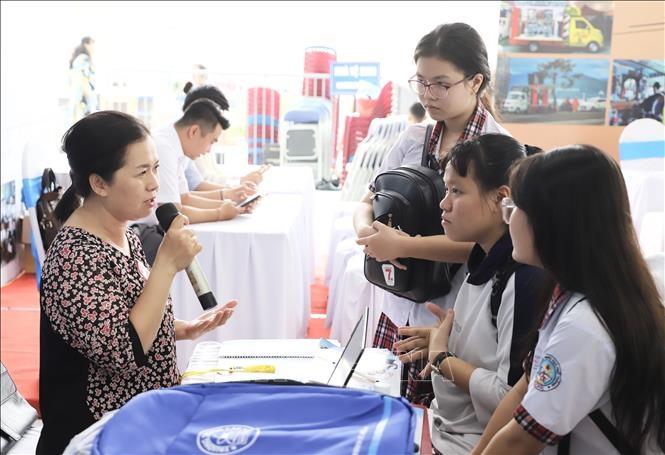 TP Hồ Chí Minh Hơn 2 000 học sinh tham gia Ngày hội Hướng nghiệp – Dạy nghề