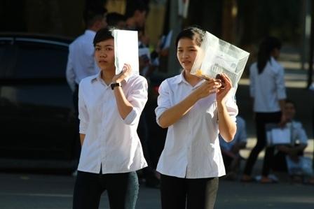 Hà Nội Học sinh lớp 12 làm bài kiểm tra khảo sát vào ngày 11 và 12 5 2021