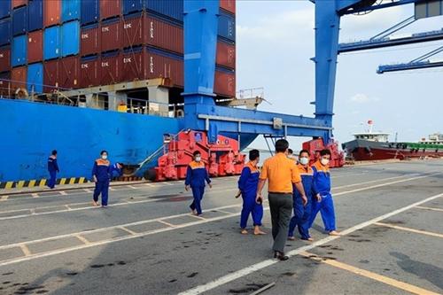 Tìm thấy thi thể 01 thuyền viên mất tích trên biển