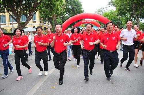 Sôi nổi Ngày chạy Olympic vì sức khỏe toàn dân