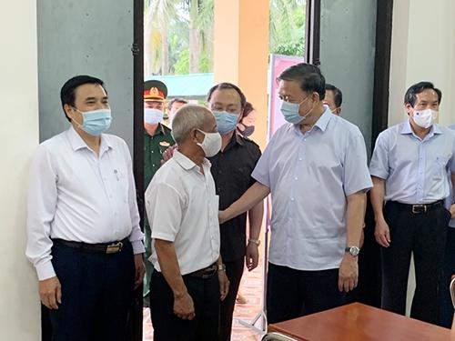 Đại tướng Tô Lâm tiếp xúc cử tri tại Hưng Yên