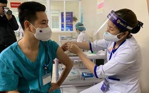 Hà Nội sẽ tiêm miễn phí vắc xin COVID-19 cho người dân từ 18 - 65 tuổi
