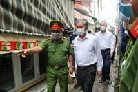 Lãnh đạo TP Hồ Chí Minh thăm hỏi gia đình có 8 người thiệt mạng trong vụ cháy