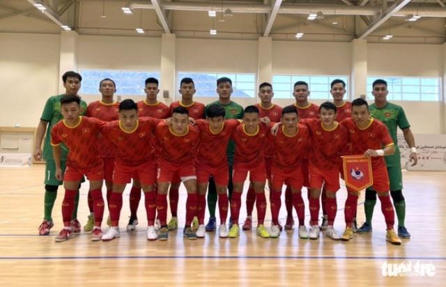 Giao hữu tại UAE Việt Nam dẫn trước 2-1