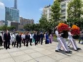 Chủ tịch nước cùng lãnh đạo TP Hồ Chí Minh dâng hương tưởng nhớ Bác Hồ