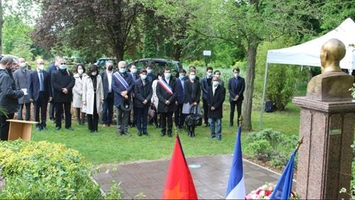 Nhiều hoạt động ý nghĩa kỷ niệm 131 năm Ngày sinh Chủ tịch Hồ Chí Minh tại các nước