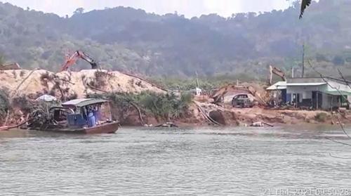 Vì sao Bình Thuận chưa xử lý doanh nghiệp sai phạm quy định khai thác cát xây dựng