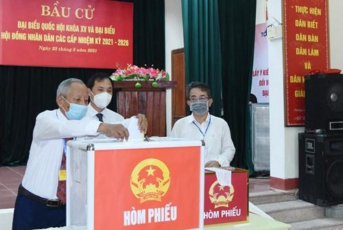 Hà Tĩnh Hơn 85 vạn cử tri hân hoan đi bầu cử