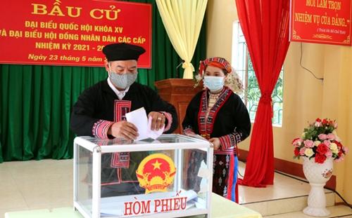 Không khí bầu cử ở Văn Yên