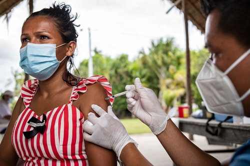 Tốc độ gia tăng số ca nhiễm, tử vong do COVID-19 giảm song vẫn ở mức cao