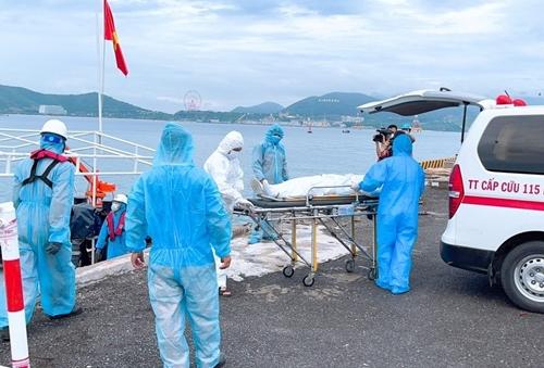 Cứu thuyền viên nước ngoài gặp nạn trên biển