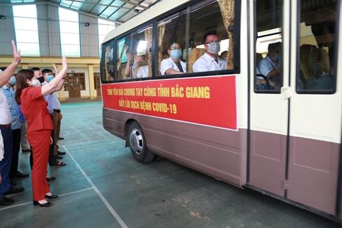 Ngành Y tế Yên Bái sát cánh cùng Bắc Giang chống dịch