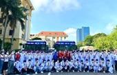 Gần 100 cán bộ, sinh viên trường Y tình nguyện lên đường chống dịch
