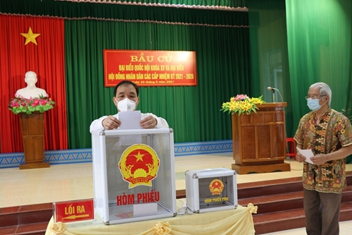 Đại biểu HĐND tỉnh là người dân tộc thiếu số đạt 44,64