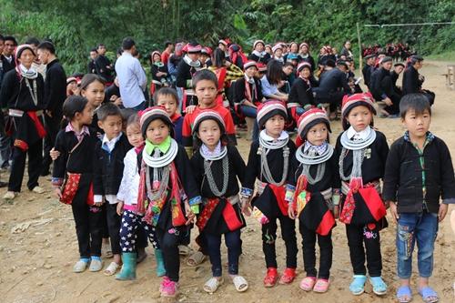 Bảo vệ, giáo dục và mang lại hạnh phúc cho trẻ em