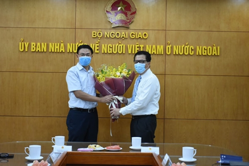 Bổ nhiệm Chủ nhiệm Ủy ban Nhà nước về người Việt Nam ở nước ngoài