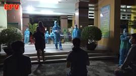 Xuyên đêm lấy mẫu xét nghiệm cho người lao động tại Gò Vấp