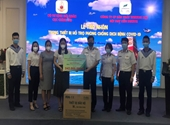 Tiếp nhận 1 000 bộ trang phục y tế hỗ trợ công tác phòng, chống dịch