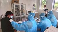Tiêm vắc xin cho lực lượng làm nhiệm vụ phòng, chống dịch tại TP Hà Tĩnh