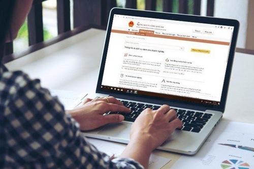 Để dịch vụ công trực tuyến đến với người dân