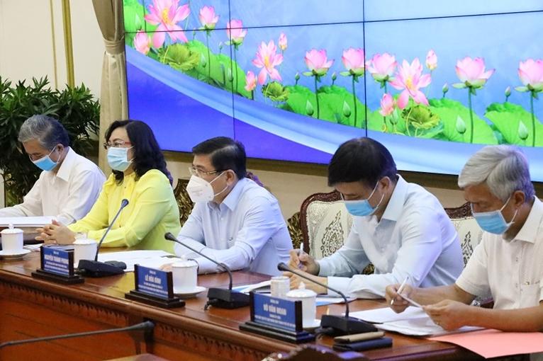 TP Hồ Chí Minh Phấn đấu cuối năm 2021 sẽ tiêm vắc xin COVID-19 cho 2 3 người dân