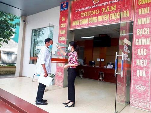 Tạm dừng hoạt động thủ tục hành chính trực tiếp tại bộ phận một cửa các cấp ở Hà Tĩnh