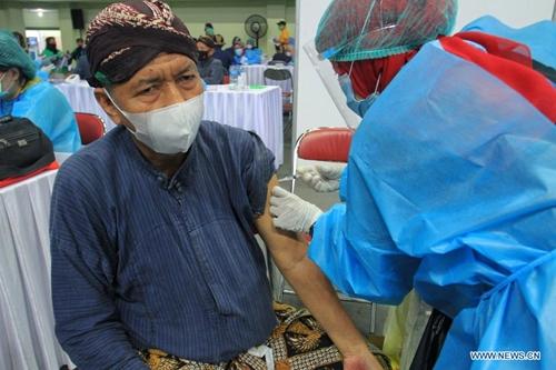 Indonesia ghi nhận 8 161 ca nhiễm COVID-19 trong một ngày