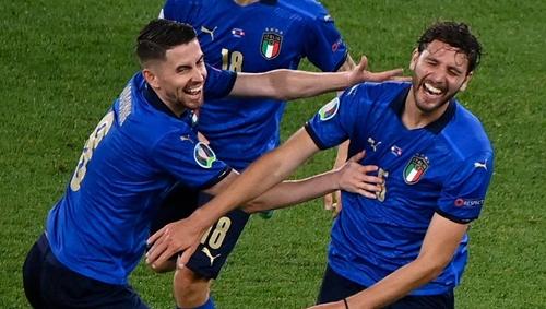 Italy phô trương sức mạnh tại Euro
