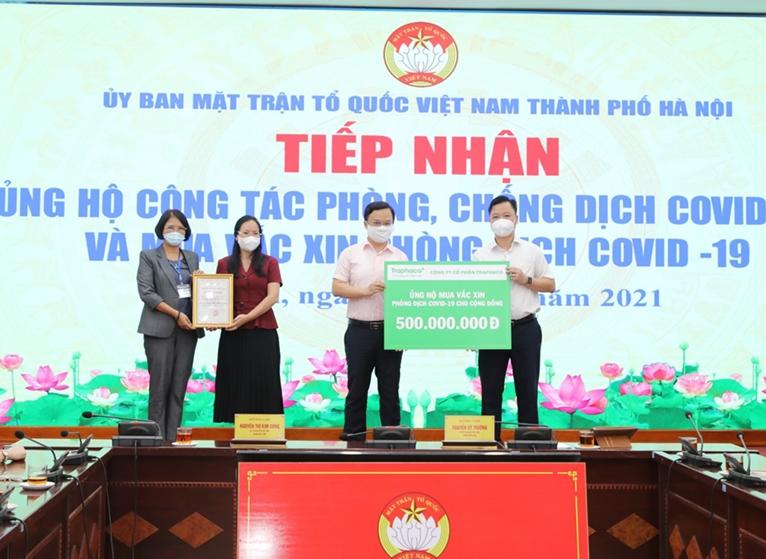 Hà Nội Tiếp nhận hơn 2 tỷ đồng ủng hộ mua vaccine và phòng, chống dịch COVID-19